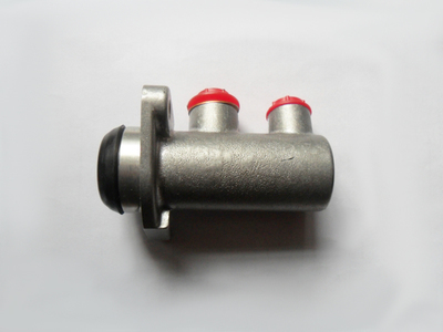 Clutch master cylinder - Fiat 1500 Convertibile and Fiat 2300 Coupé