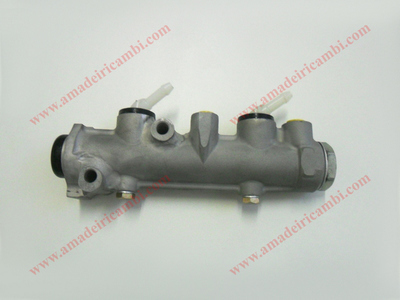 Brake master cylinder, improved - Lancia Rally 037