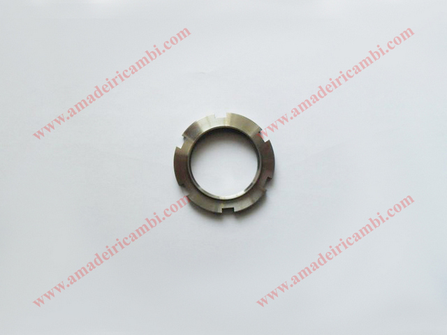Differential_case_ring_nut-Lancia_2000_5.jpg