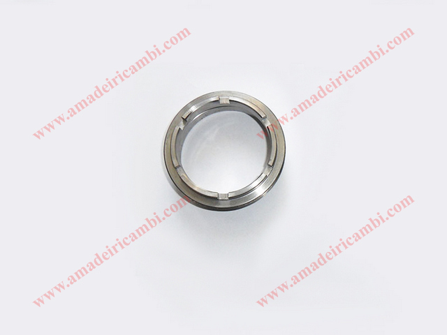 Rear_outer_bearing_locking_ring_nut-Lancia_Fulvia_1s_882151768 1.jpg